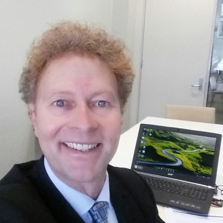 Associate Professor Bruce Shadbolt