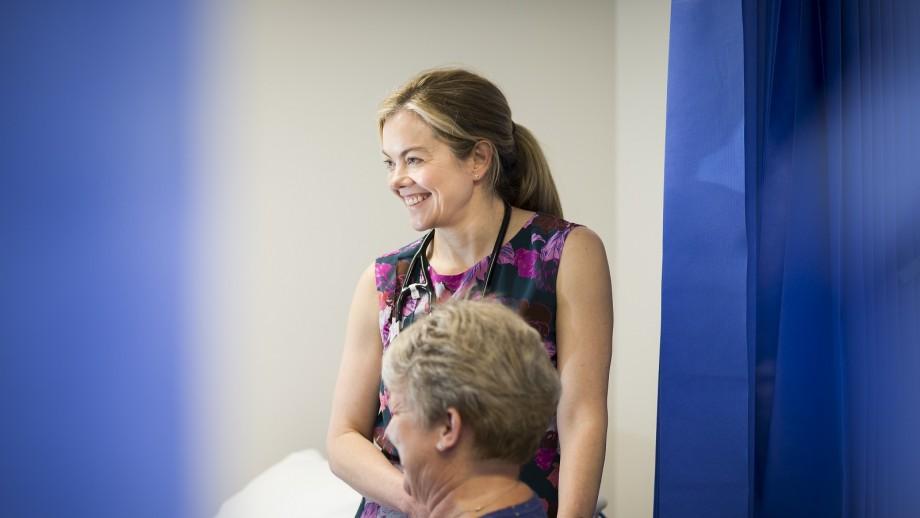 Dr Carolyn Droste